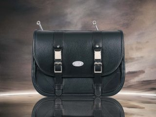 CLASSIC BLACK BAG FRONTE 1200 : Borsa modello Classic Black Bag in pelle nera con cuciture nere