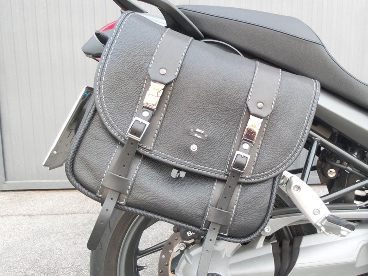 BMW-R1200R-classic-black-bag-2