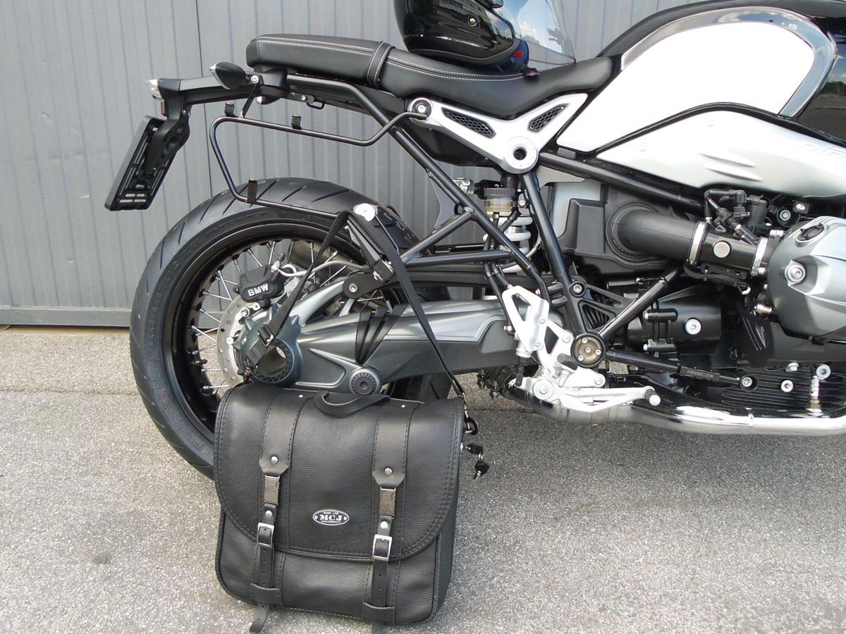 Dettaglio-della-borsa-per-BMW-NineT_1600x900-mcj